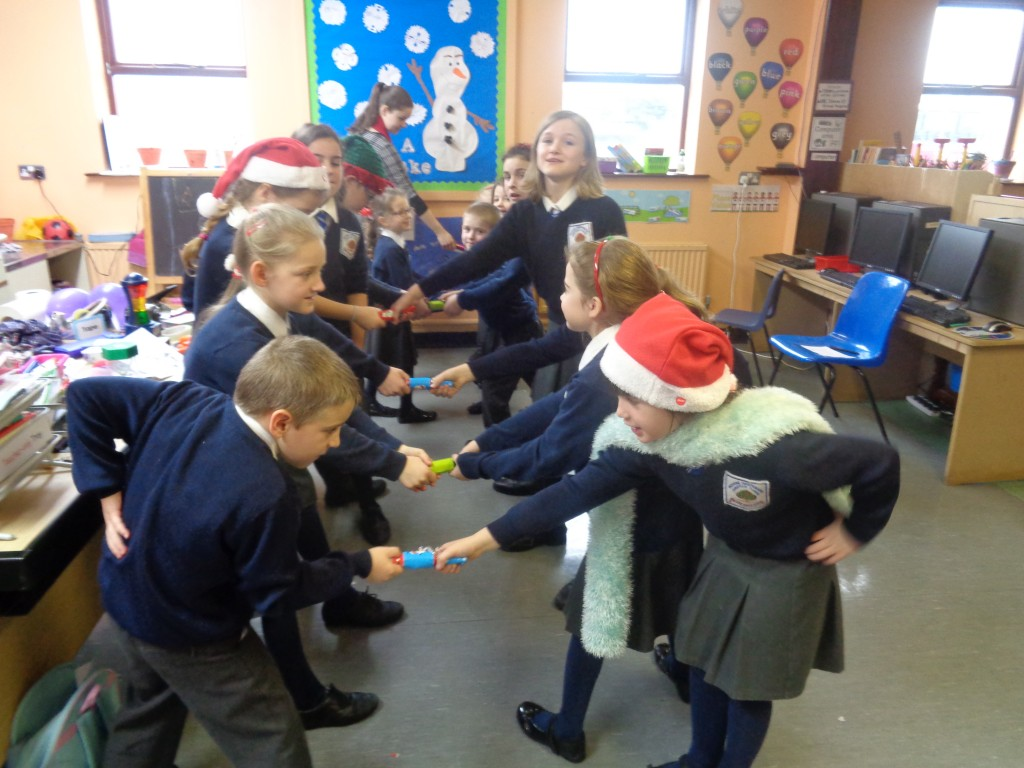 Christmas Party: Crackers!